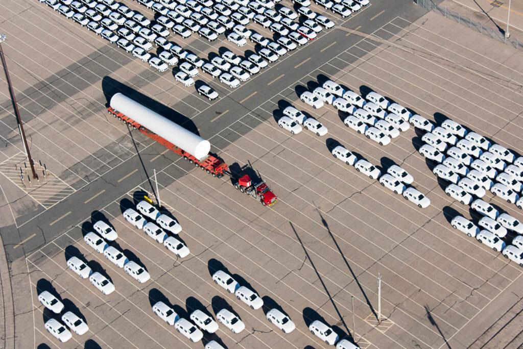 Transport eines Towers für einen Windpark, Rhode Island, US
